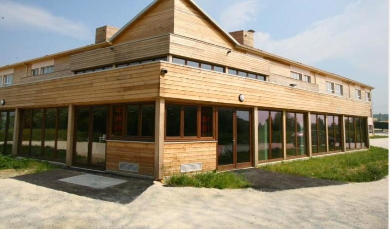 Les bras ouverts architecture seine et marne r sidence - Residence de vacances gedney architecte ...