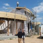 Maison Organique bois et thermopierre en Vendée Lors d'un rendez-vous de chantier hebdomadaire