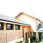 maison contemporaine vue de l'entrée