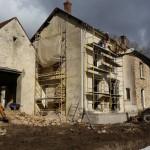 Réalisation des ouvertures de la grange et du bâtiment principal coté jardin